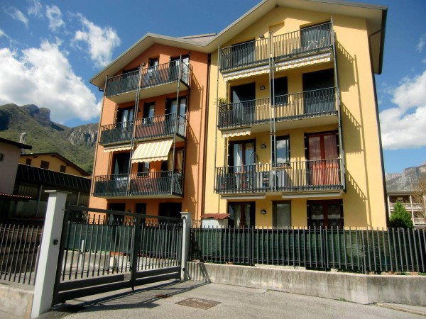 Appartamento in vendita a Valmadrera, 3 locali, prezzo € 190.000 | Cambio Casa.it