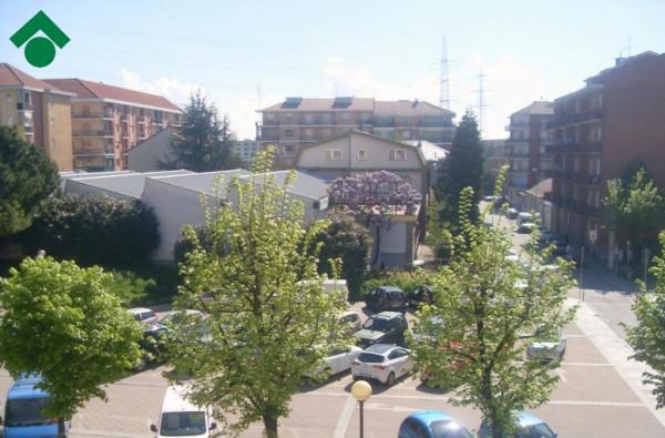Bilocale Rivoli Via Giotto 11