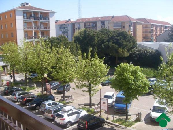 Bilocale Rivoli Via Giotto 3