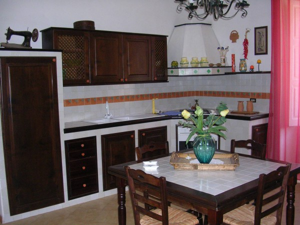Palazzo / Stabile in affitto a Mercato San Severino, 5 locali, prezzo € 380 | Cambio Casa.it