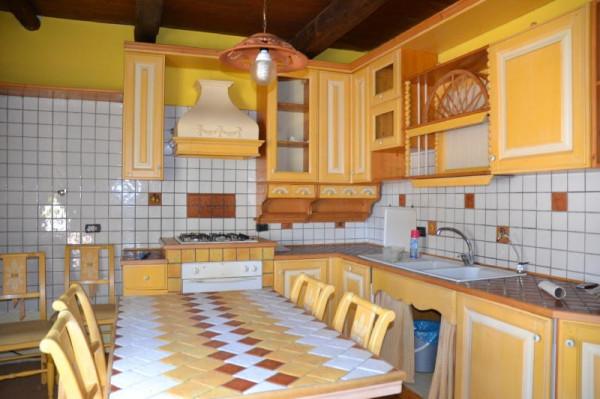 Appartamento in vendita a Capranica, 3 locali, prezzo € 90.000 | Cambio Casa.it