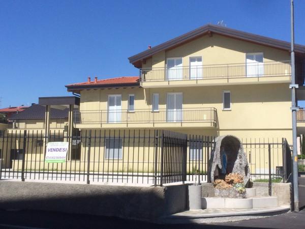 Bilocale Verano Brianza Via Achille Grandi 5