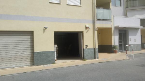 Magazzino in vendita a Reggio Calabria, 1 locali, prezzo € 65.000 | Cambio Casa.it