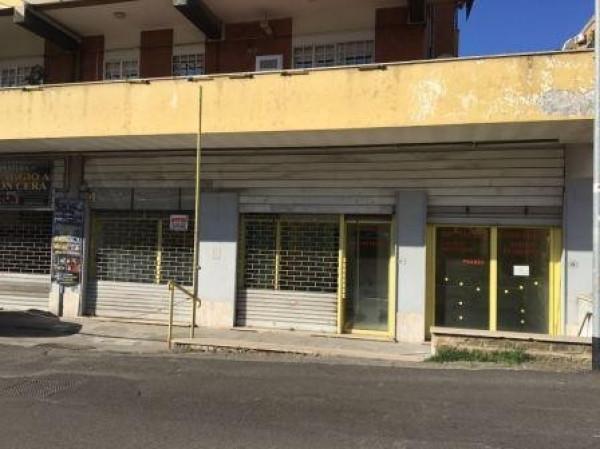 Negozio / Locale in affitto a Velletri, 2 locali, prezzo € 1.900   Cambio Casa.it