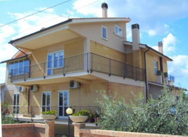 Villa in vendita a Magliano Sabina, 6 locali, prezzo € 720.000 | Cambio Casa.it