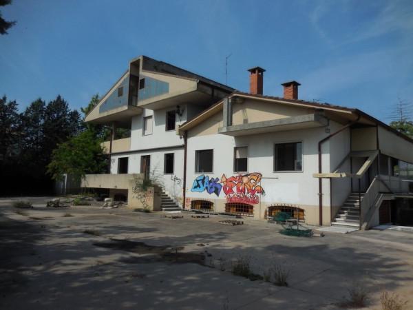 Villa in vendita a Verona, 6 locali, zona Zona: 4 . Saval - Borgo Milano - Chievo, prezzo € 448.000 | Cambio Casa.it