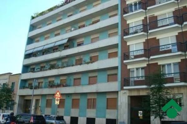 Bilocale Milano Via Benigno Crespi, 13 1