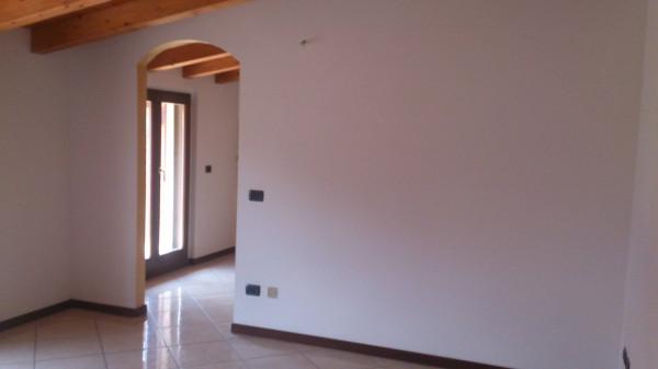 Appartamento in vendita a Pontirolo Nuovo, 3 locali, prezzo € 110.000 | Cambio Casa.it