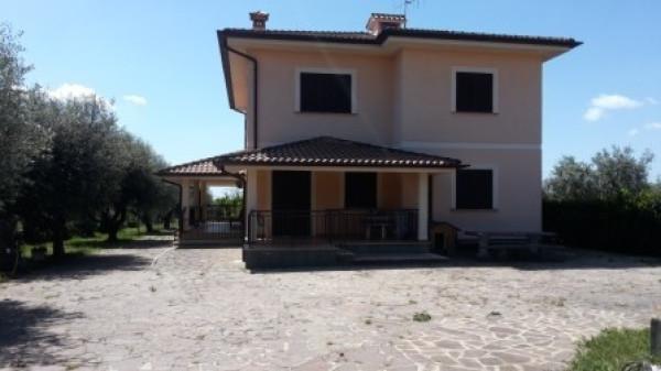 Villa in vendita a Velletri, 6 locali, prezzo € 360.000 | Cambio Casa.it