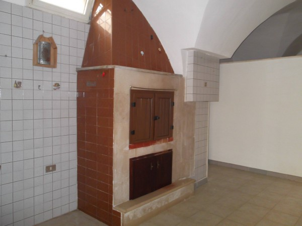 Appartamento in vendita a Leverano, 4 locali, prezzo € 32.000 | CambioCasa.it