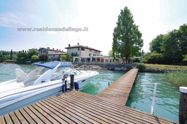 Palazzo / Stabile in vendita a Sirmione, 6 locali, Trattative riservate | Cambio Casa.it