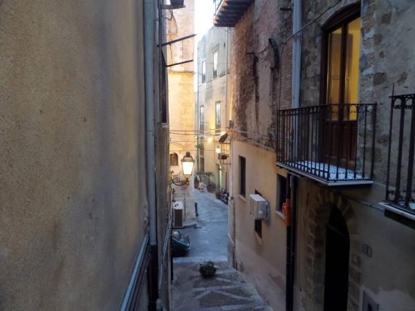 Bilocale Cefal Via Caracciolo 10