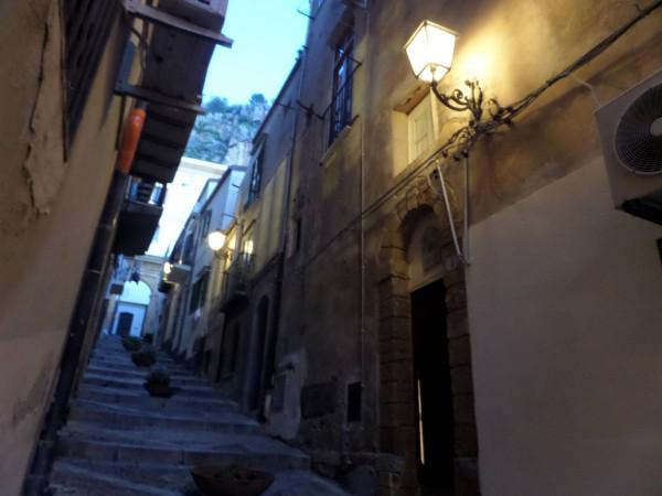 Bilocale Cefal Via Caracciolo 13
