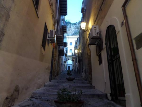 Bilocale Cefal Via Caracciolo 6
