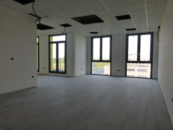 Ufficio / Studio in vendita a Ponte San Nicolò, 9999 locali, prezzo € 130.000 | Cambio Casa.it