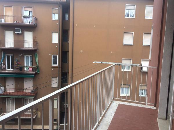 Bilocale Verona Via Vittorio Locchi 8