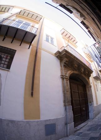 Appartamento in Vendita a Palermo Centro: 4 locali, 130 mq