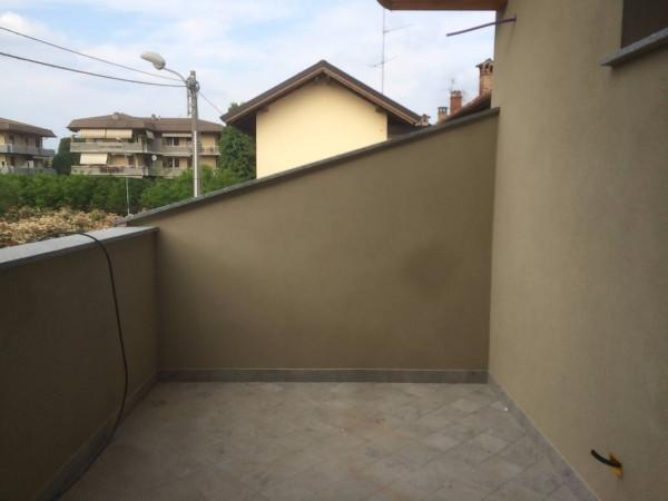 Bilocale Verano Brianza Via Caviana 9