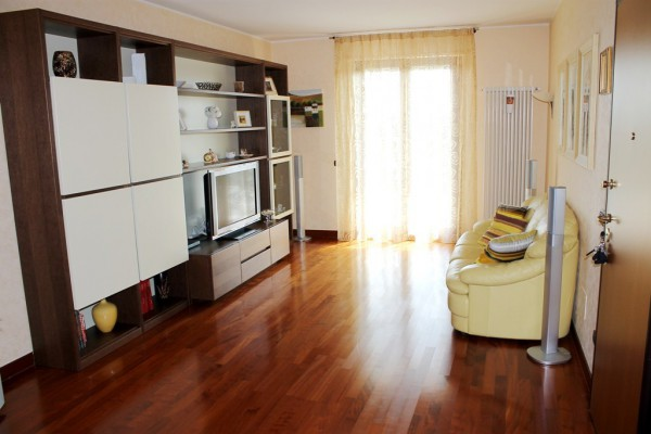 Appartamento in vendita a Valenzano, 3 locali, prezzo € 189.000 | Cambio Casa.it