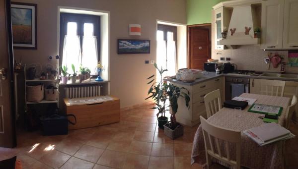 Bilocale Cambiano Via Castello 2