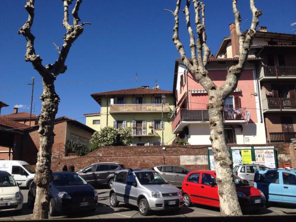 Bilocale Cambiano Via Castello 5