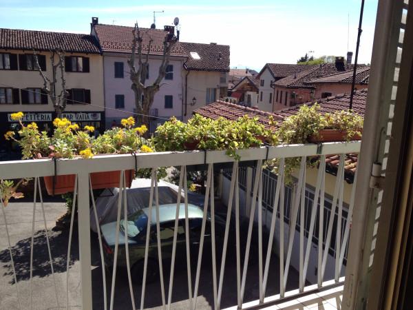 Bilocale Cambiano Via Castello 7