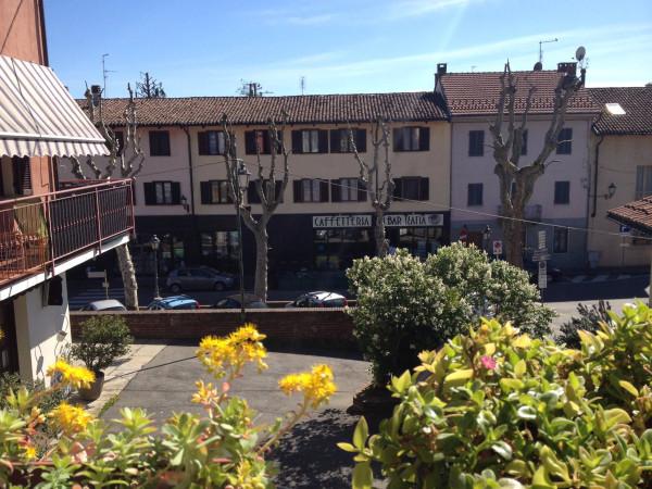Bilocale Cambiano Via Castello 8