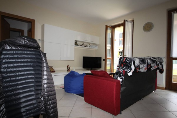 Bilocale Marone Via Borgo Nuovo 2