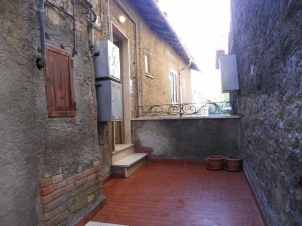 Bilocale Vallerano Via Traversa 12