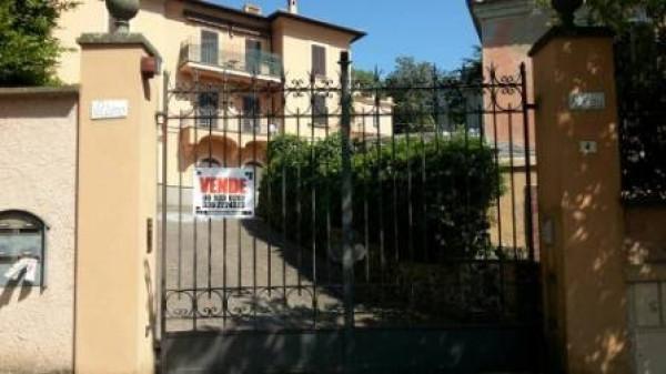 Villa in vendita a Ariccia, 6 locali, prezzo € 940.000 | Cambio Casa.it