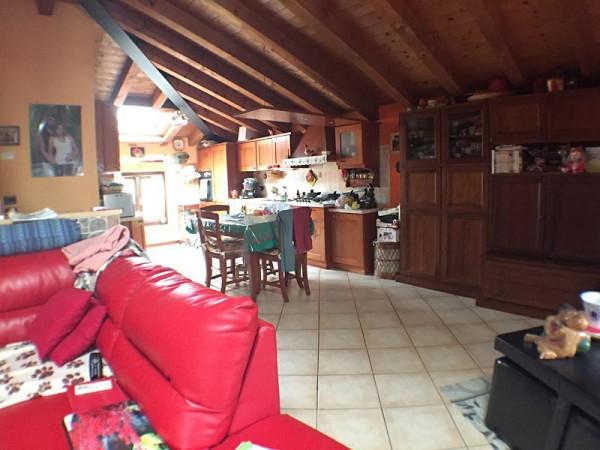 Appartamento in vendita a Verona, 5 locali, zona Zona: 6 . Borgo Trieste - Borgo Venezia, prezzo € 270.000 | Cambio Casa.it