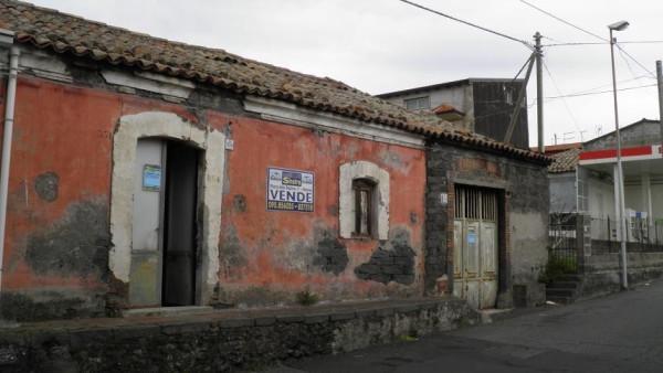 Rustico / Casale in vendita a Ragalna, 3 locali, prezzo € 75.000 | Cambio Casa.it