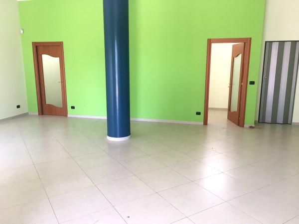 Negozio / Locale in affitto a Casamassima, 2 locali, prezzo € 550 | Cambio Casa.it
