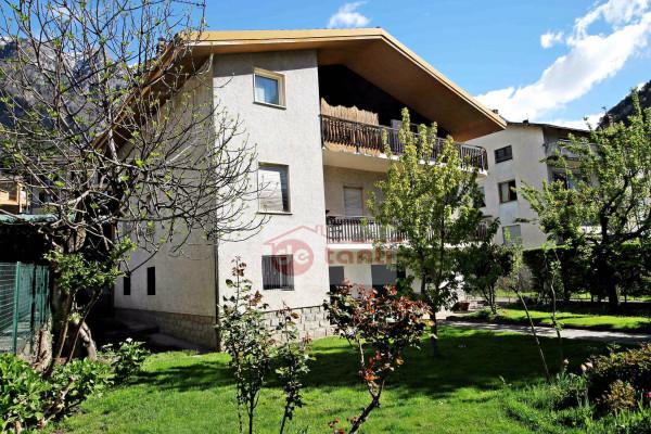 Villa in vendita a Chiavenna, 6 locali, Trattative riservate | CambioCasa.it