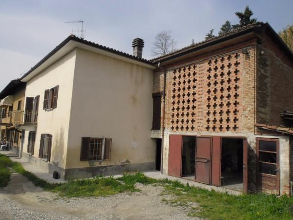 Rustico / Casale in vendita a Canelli, 6 locali, prezzo € 180.000 | Cambio Casa.it