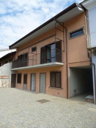 Bilocale Airasca Via Roma 1