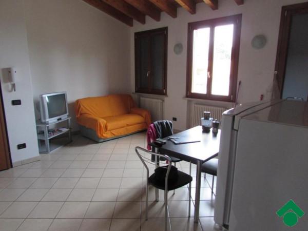 Bilocale Roverbella Via Solferino E San Martino 4