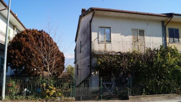 Villa a Schiera in vendita a Alvignano, 6 locali, prezzo € 128.000 | CambioCasa.it