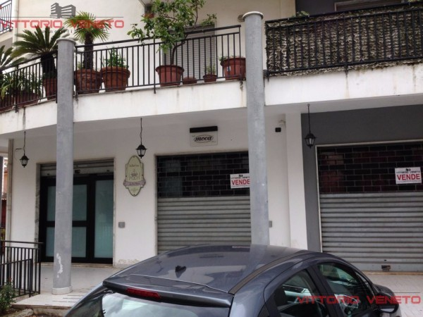 Negozio / Locale in vendita a Agropoli, 2 locali, prezzo € 170.000 | CambioCasa.it