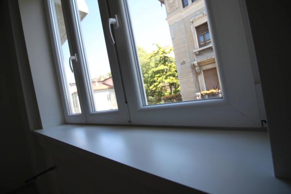 Bilocale Trieste Via Commerciale 9