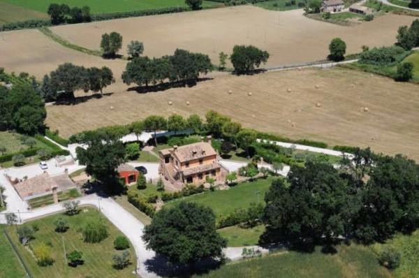 Villa in vendita a Potenza Picena, 6 locali, Trattative riservate | CambioCasa.it