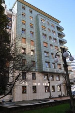 Bilocale Milano Viale Cassiodoro 10
