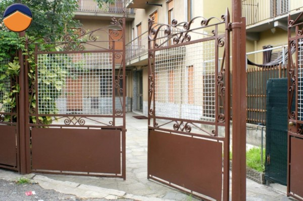 Bilocale Torino Via Nole 3