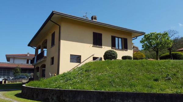 Villa in vendita a Sirtori, 4 locali, prezzo € 380.000 | Cambio Casa.it