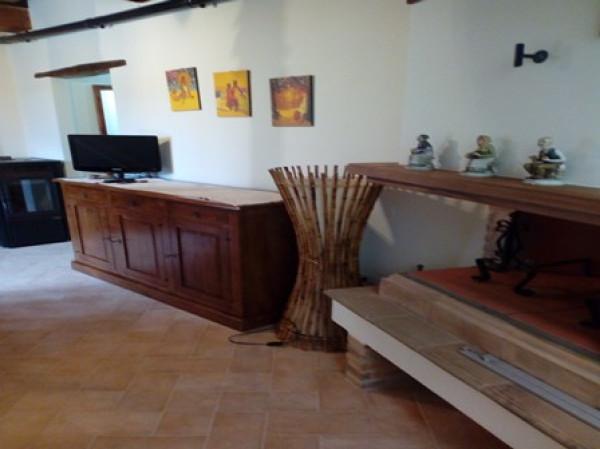Appartamento in vendita a Pitigliano, 2 locali, prezzo € 80.000 | Cambio Casa.it