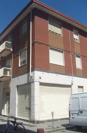Negozio / Locale in affitto a Torino, 9999 locali, zona Zona: 16 . Mirafiori, Centro Europa, Città Giardino, prezzo € 550 | Cambio Casa.it
