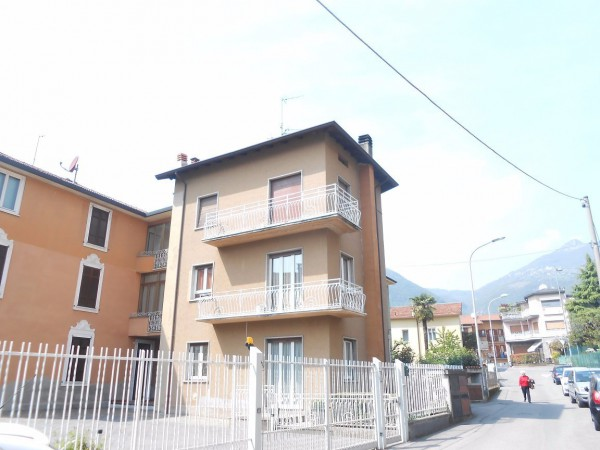 Appartamento in vendita a Albino, 3 locali, prezzo € 89.000   Cambio Casa.it