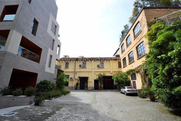 Bilocale Milano Viale Piave 10