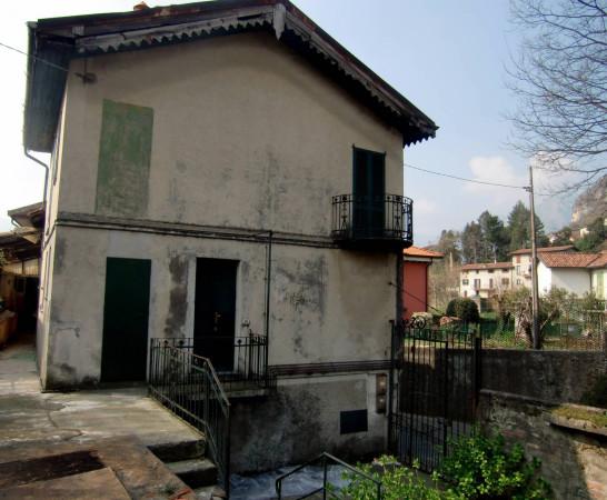 Rustico / Casale in vendita a Lecco, 6 locali, prezzo € 199.000 | CambioCasa.it