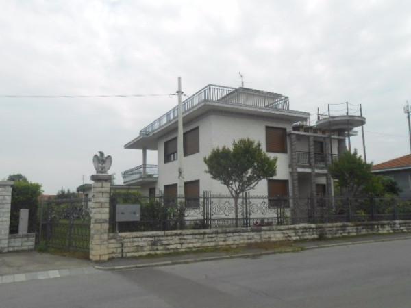 Villa in vendita a Pinerolo, 5 locali, prezzo € 110.000 | Cambio Casa.it